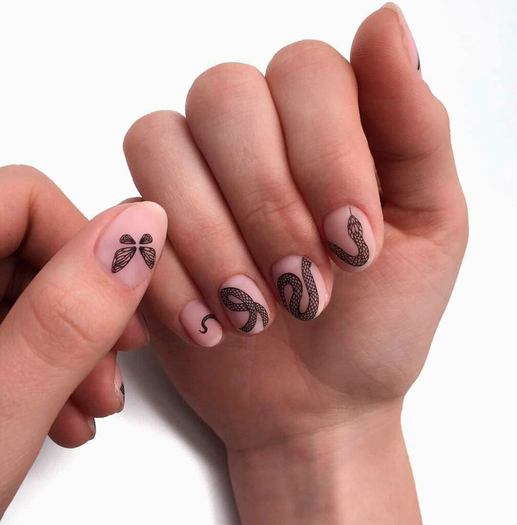 Арт-дизайн тату на ногтях