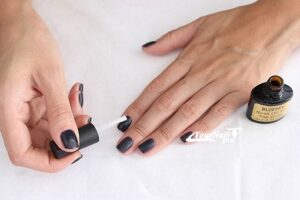 Финишное покрытие на ногти