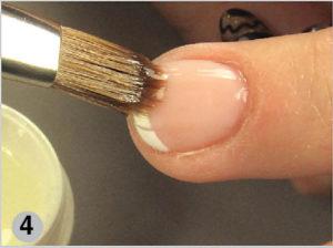 Финишный слой на ногтевой пластине