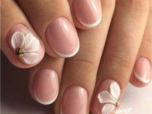 Свадебный маникюр объемный цветок