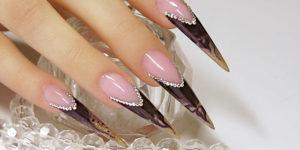 Стелет форма нарощенных ногтей