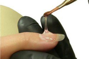 Корректируем нарощенные ногти