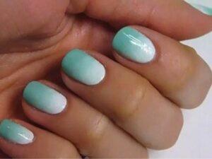 Лунный градиент на короткие ногти