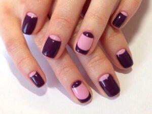 Розово-фиолетовый лунный маникюр
