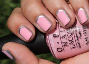 Розовый лунный маникюр на короткие ногти