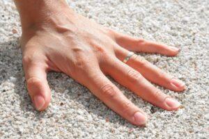 Отбеливаем ногти в домашних условиях