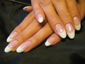 Вид овальной формы нарощенных ногтей
