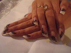 Форма нарощенных ногтей скошенный край
