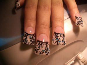 Трапецивидная форма нарощенных ногтей