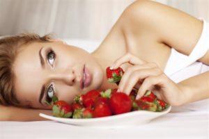 Маски из ягод для ухода за ногтями